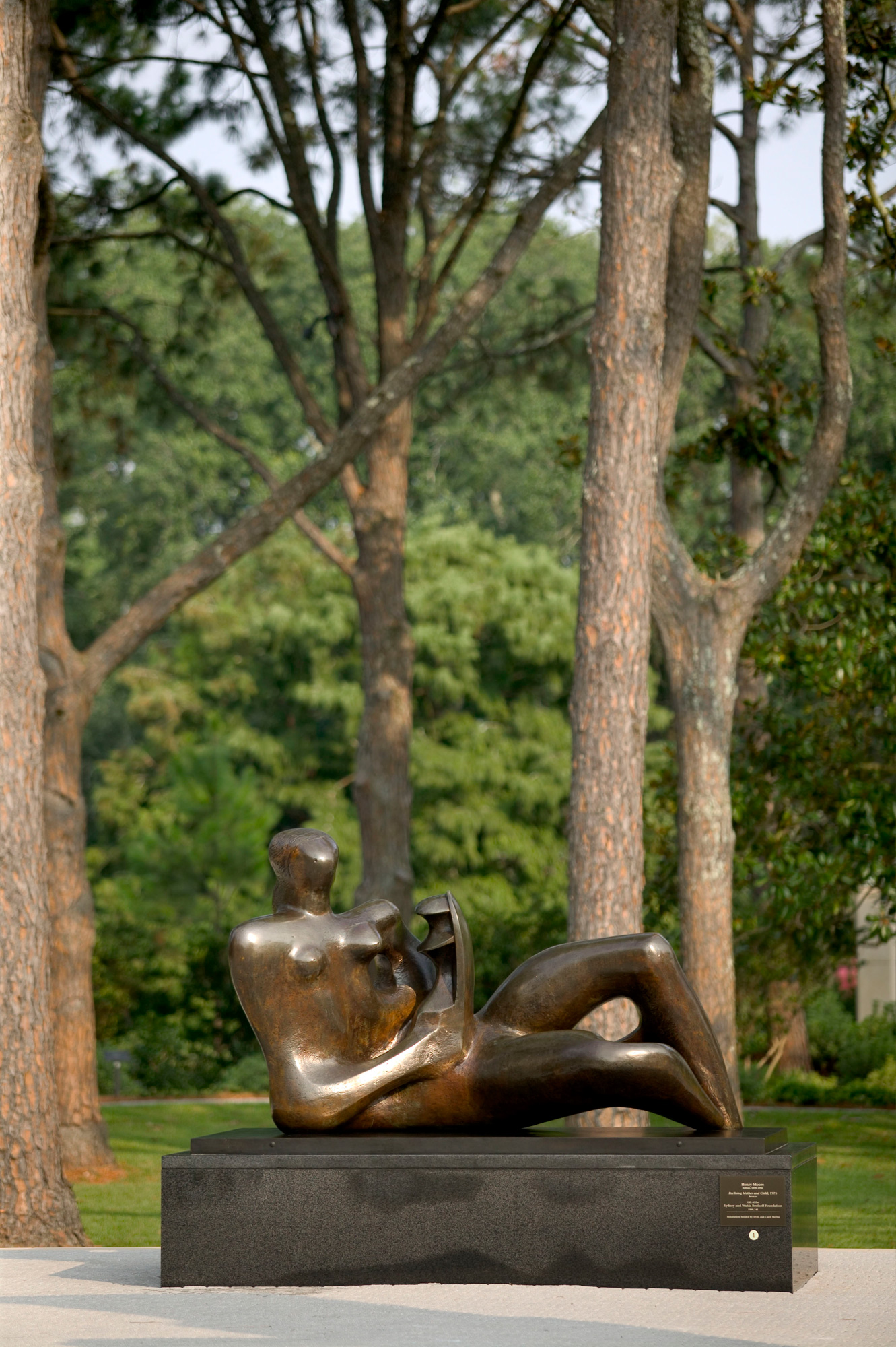 Join NOMA's docents for a free guided tour of the Sydney and Walda Besthoff Sculpture Garden on Saturdays and Mondays, weather dependent, at noon.