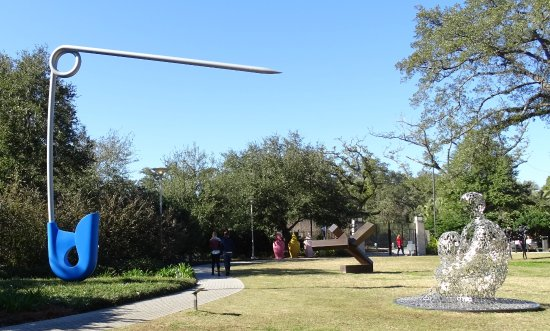 Join NOMA's docents for a free guided tour of the Sydney and Walda Besthoff Sculpture Garden on Saturdays and Mondays in October and November at noon.