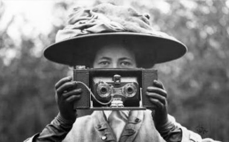 Study the history of photography in Classes with Curators