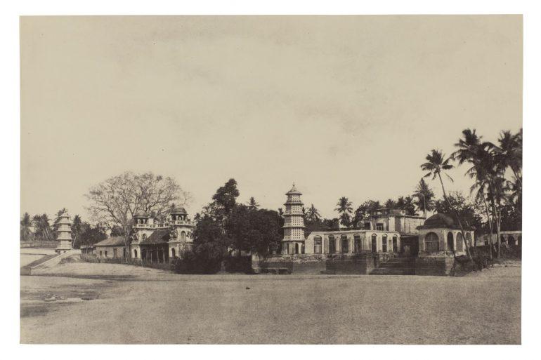 Linnaeus Tripe (British, 1822–1902), Triviar, Ghats, March–April 1858, Albumen print from a waxed paper negative, 25.1 x 38.1 cm., Museum purchase, 87.36